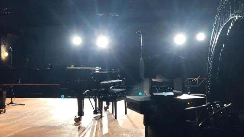 Piano HB gegenlicht fb_800